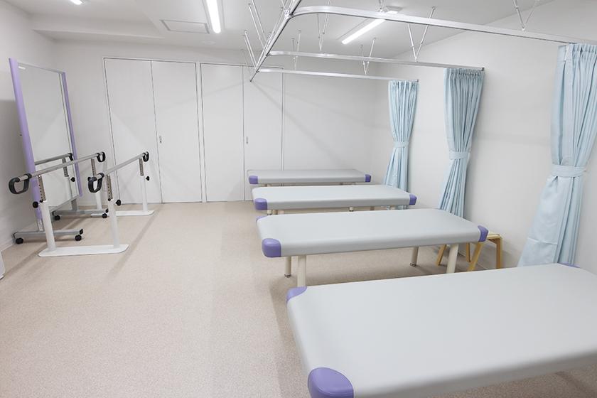 しおみ整形外科 痛み・関節クリニック リハビリ室
